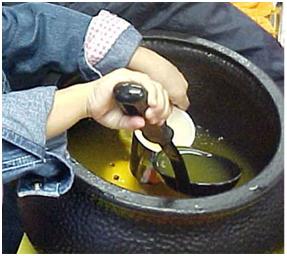 cauldron-serving